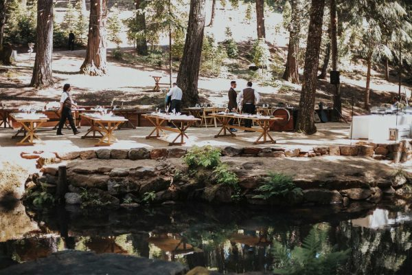 setting-up-for-a-sierra-foothills-wedding-event